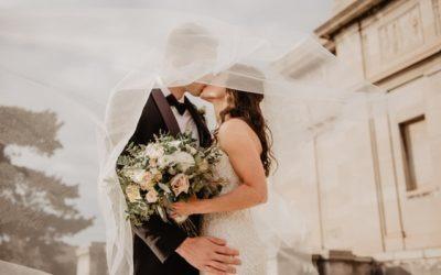 Website für Hochzeit erstellen: Diese Konzepte werden Sie begeistern