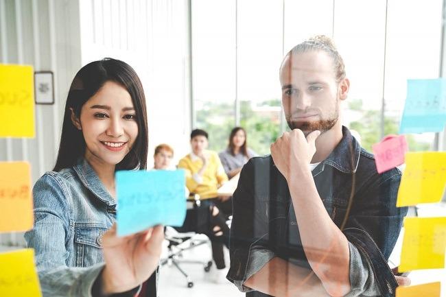 Mit welchen Texten kann der Erfolg Ihrer Website wie gesteigert werden? Das sind Fragen der Content Strategie. Bild von ©Chaay_tee – de.fotolia.com